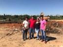 Vereadores de Mâncio Lima acompanham obras de melhorias no lixão da cidade